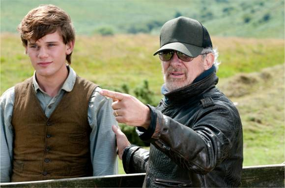 Director Steven Spielberg with Jeremy Irvine who portrays Albert in the film