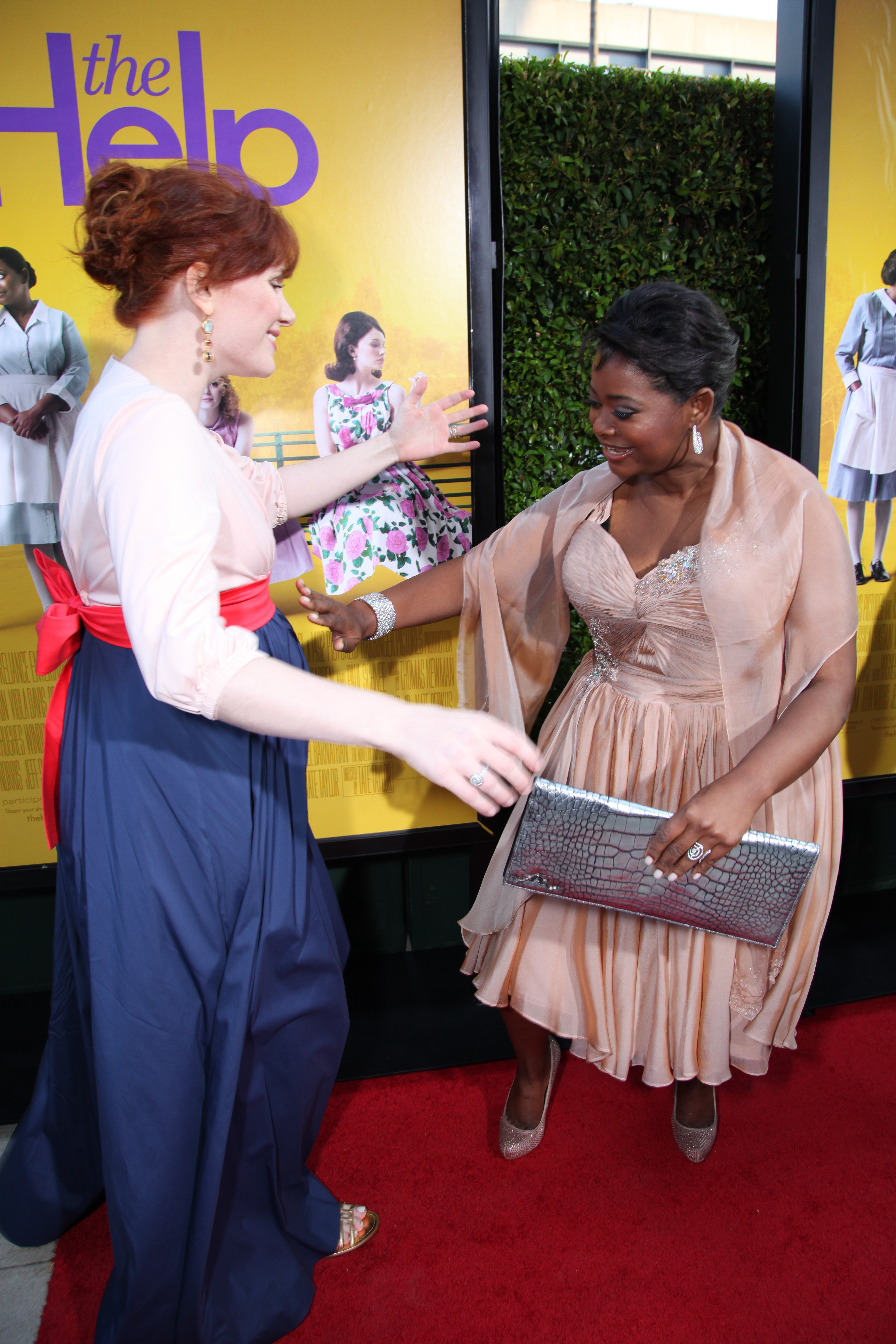 Bryce Dallas Howard, Octavia Spencer on the Red Carpet for ... Octavia Spencer On The Help