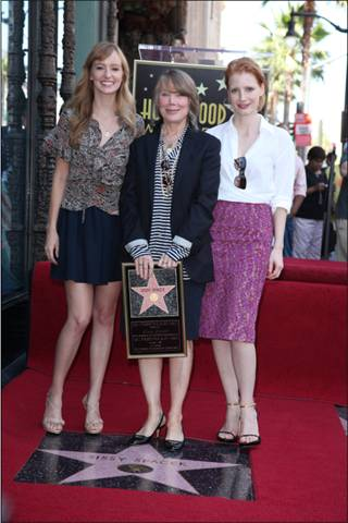 THE HELP costars Jessica Chastain and Ahna O'Reilly with Sissy Spacek