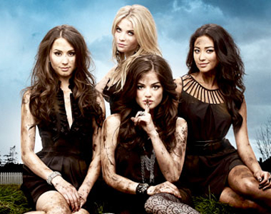 Pretty-Little-Liars-Aria-Spencer-Emily-Hanna